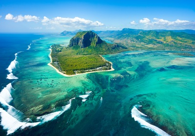 Exploring Mauritius' Mysterious Underwater Waterfall