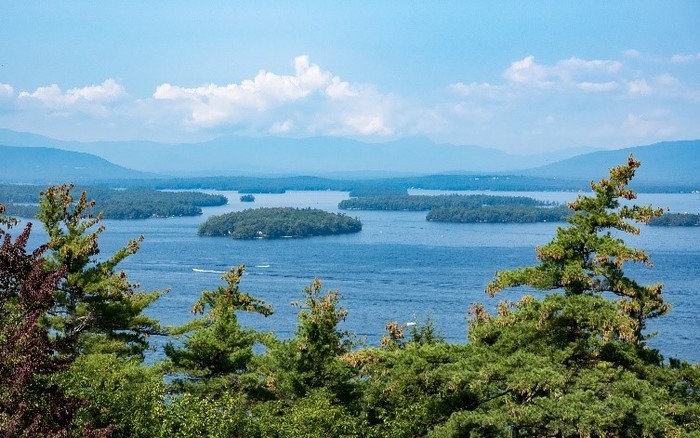 Dealer Highlight: Warm Up with Winnipesaukee