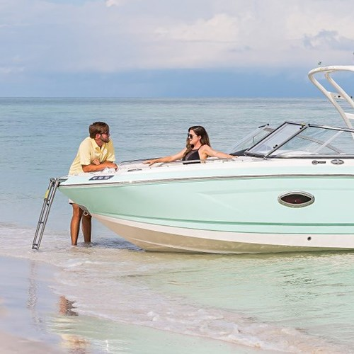Sunny Days Ahead: 10 Summertime Boating Tips