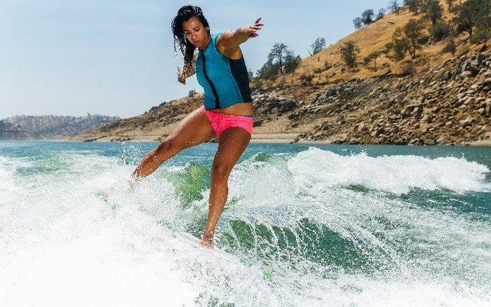 Learn How To Go From Surfer to Wakesurfer